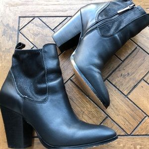 Donald J. Pliner black leather ankle booties 7M
